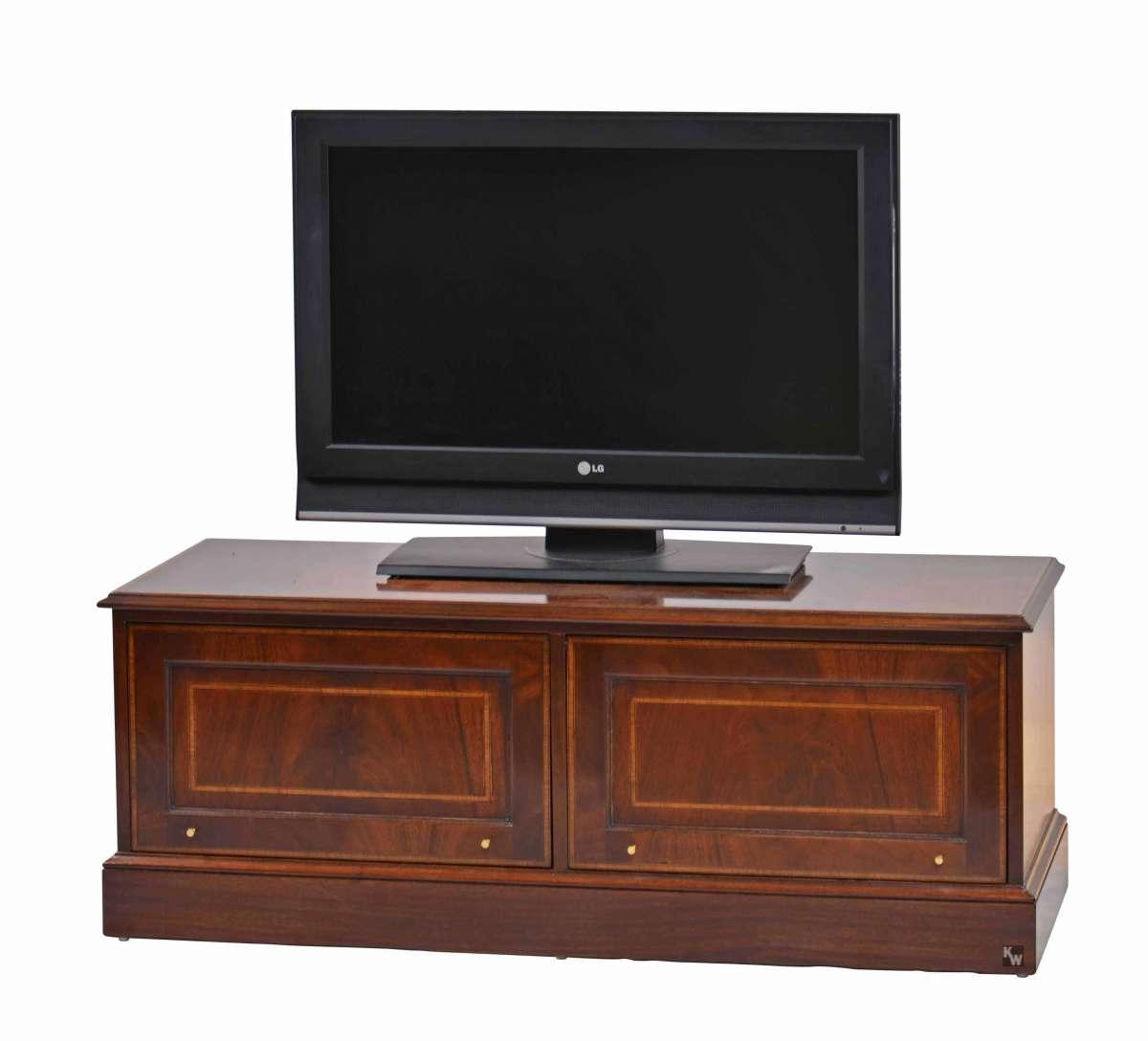 tv lowboard in mahagoni stilm bel von kai. Black Bedroom Furniture Sets. Home Design Ideas