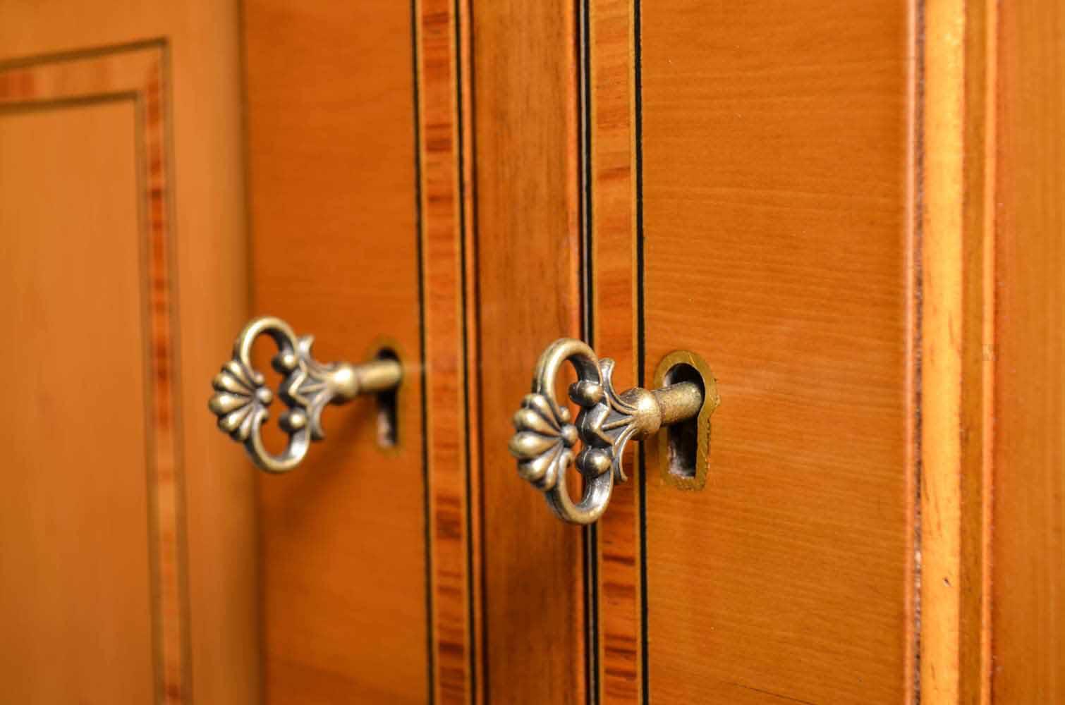 lowboard eibe englische stilm bel von kai. Black Bedroom Furniture Sets. Home Design Ideas